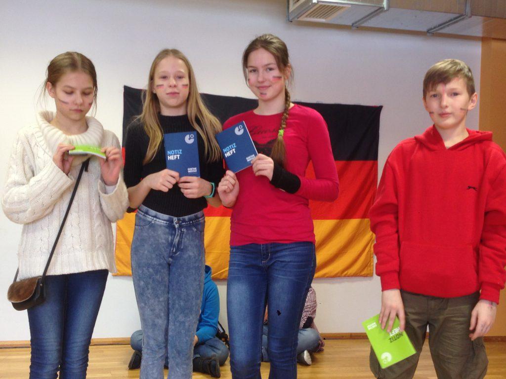 46a6cc77893 15. veebruaril Rapla Vesiroosi Gümnaasiumis Austria saatkonna ja Eestis  asuvate Saksa kultuuriorganisatsioonide poolt läbi viidud saksa keele päeval  ...